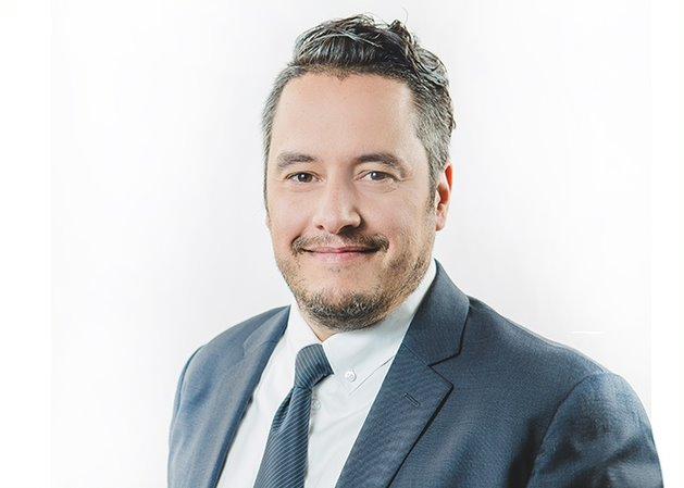 Roberto Pimentel est directeur principal en génie logiciel chez Catallaxy